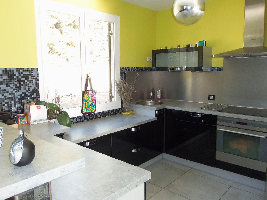 Maison La Cadiere D Azur 4 pièce(s) 91 m2
