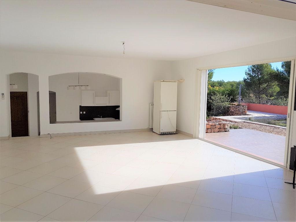 Vente villa Le Beausset 7 pièces de 150 m²  - 5300 m² de terrain - Piscine - Sans vis-à-vis