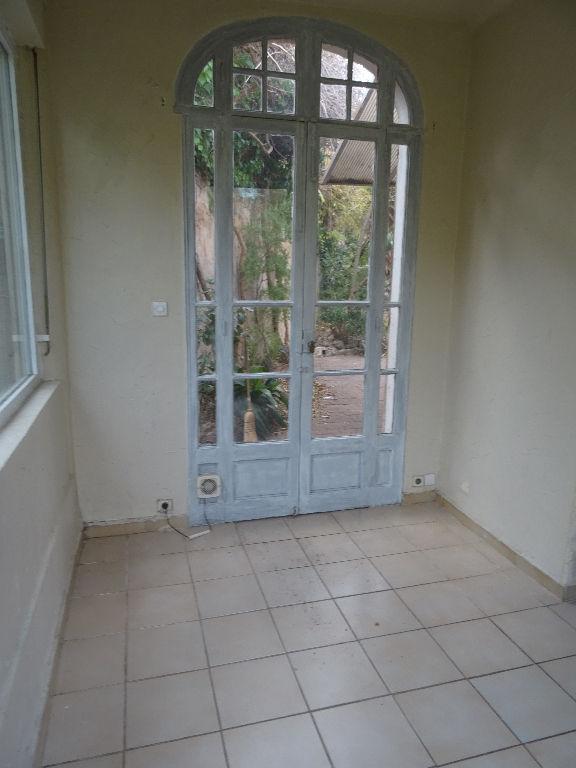 Vente maison toulon ouest valbourdin 3 pi ces 70 m avec for Garage a vendre toulon mourillon