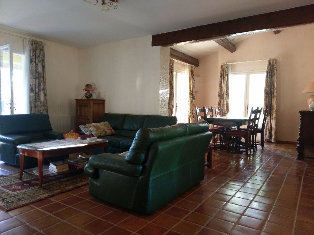 Vente villa T7 à CARNOULES - Proche centre-ville - Entièrement rénovée