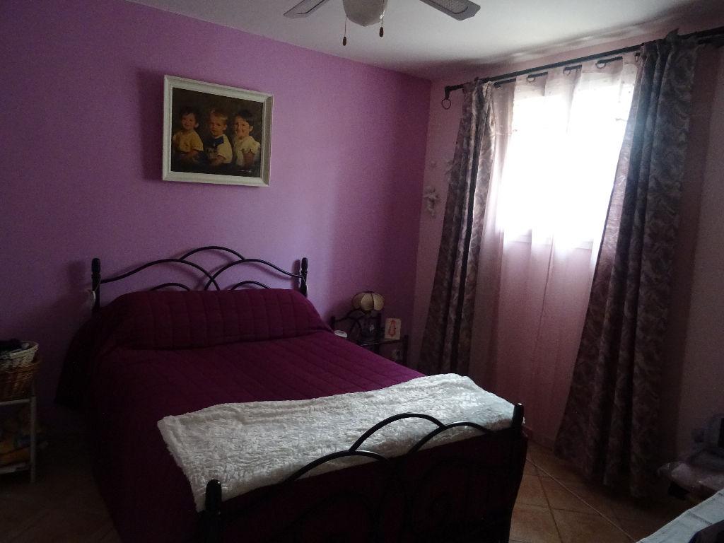 Maison de ville Toulon Ouest-   4 pièce(s) 95 m2 terrain plat