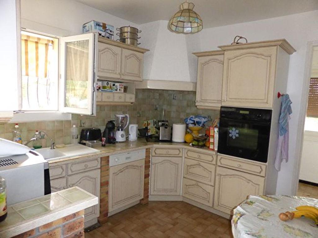 Vente villa Ollioules - 7 pièces de 185 m² - Divisée en 2 appartements, proche centre