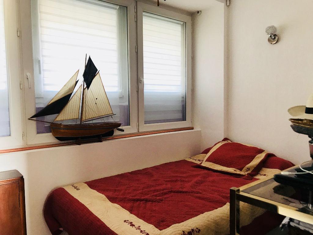 Appartement Toulon 2 pièce(s) 30 m2