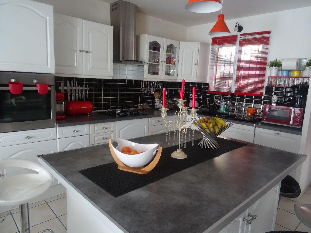 Vente maison Ollioules - T4 dans petit lotissement - Parcelle de 140 m² avec garage