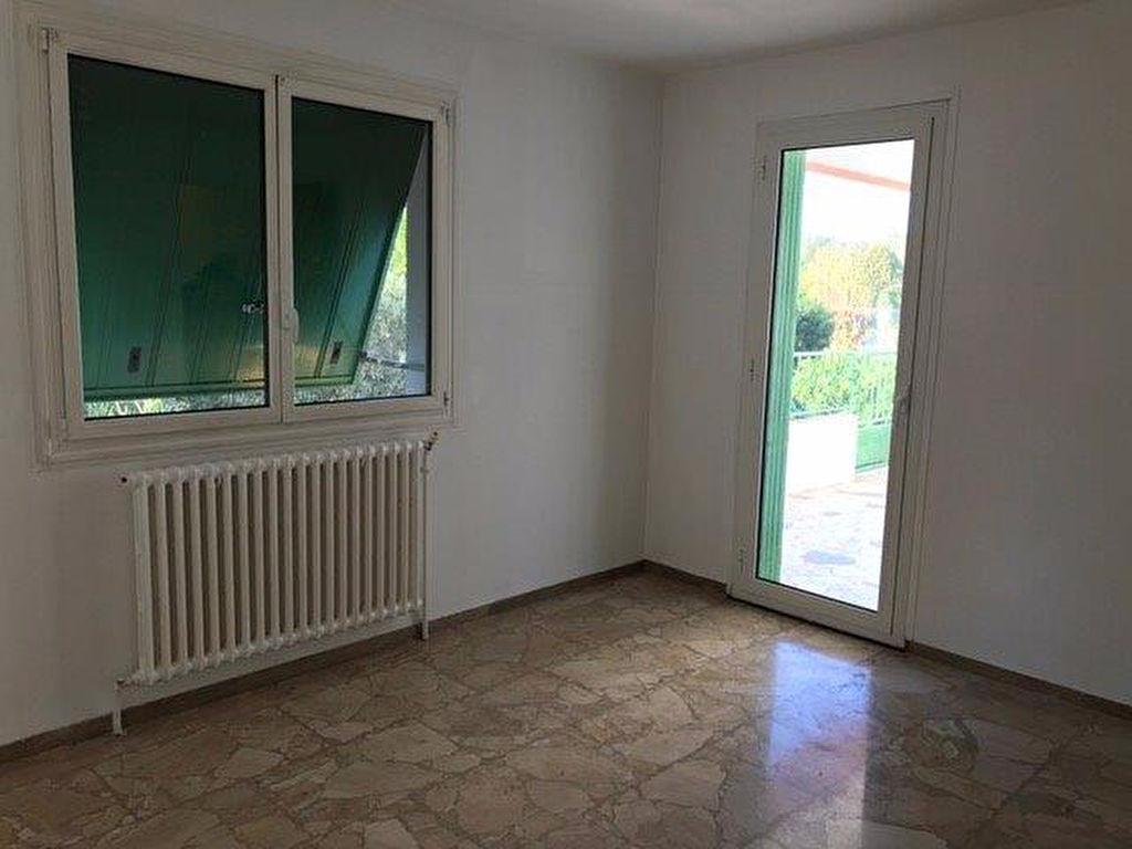 Appartement Ollioules 4 pièce(s) 80 m2 en bas de villa