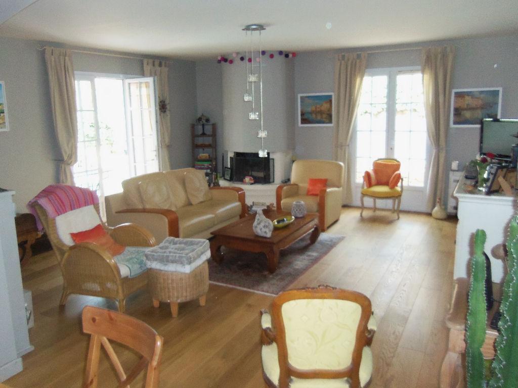 Vente belle villa d'environ 160 m² La Cadiere d'Azur terrain de 990 m²
