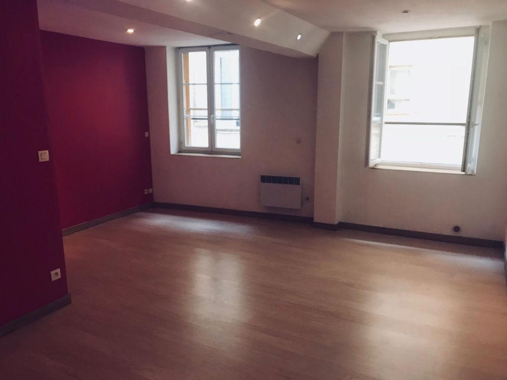 Appartement Le Beausset 1 pièce(s)  36 m2