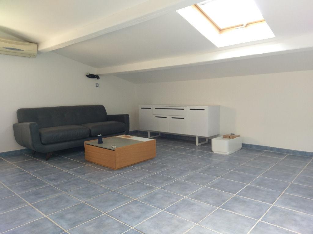 A vendre maison à La Valette du var - 9 pièces de 195 m² en excellent état - Parcelle de 725 m²