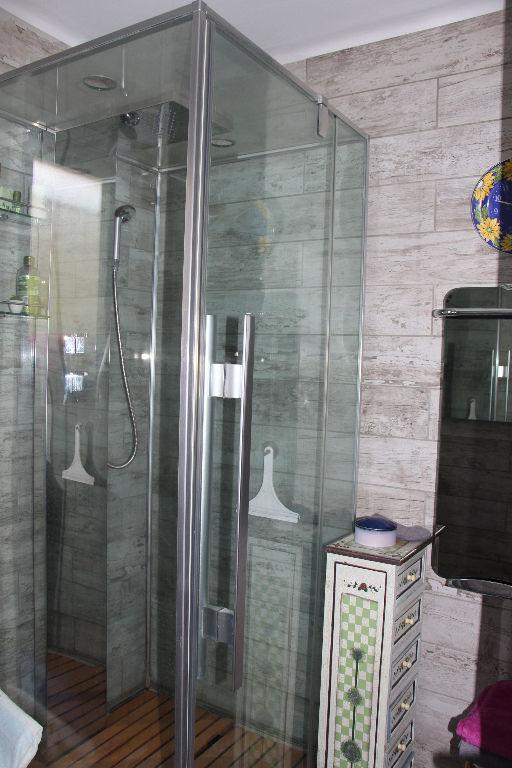 Vente maison de plain-pied  Ollioules 5 pièces 113 m² - Rare - Travaux à prévoir