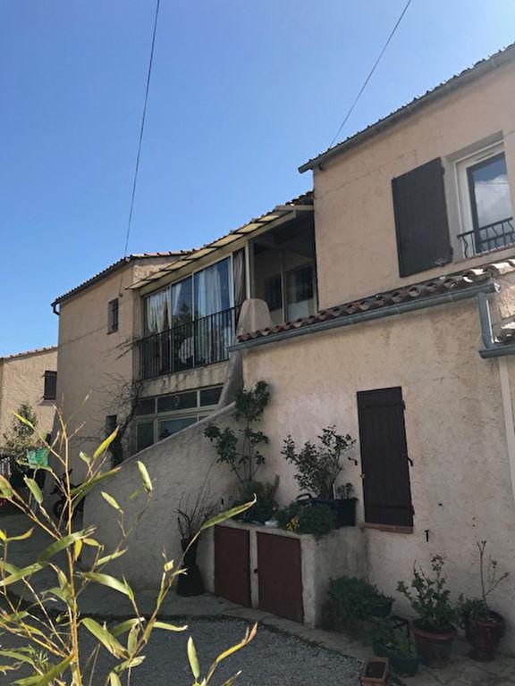 Location appartement de type 3 avec garage  - 83330 LE BEAUSSET