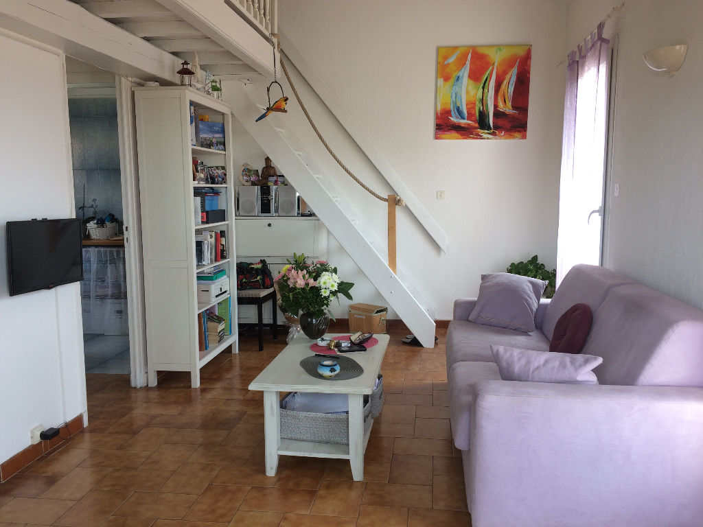 Un appartement de type 2 - 83150 BANDOL