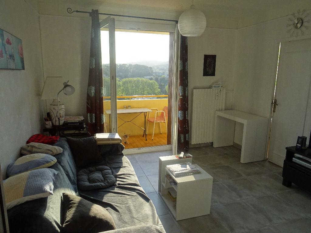 Appartement Toulon 3 pièce(s) terrasse, ascenseur et vue dégagée