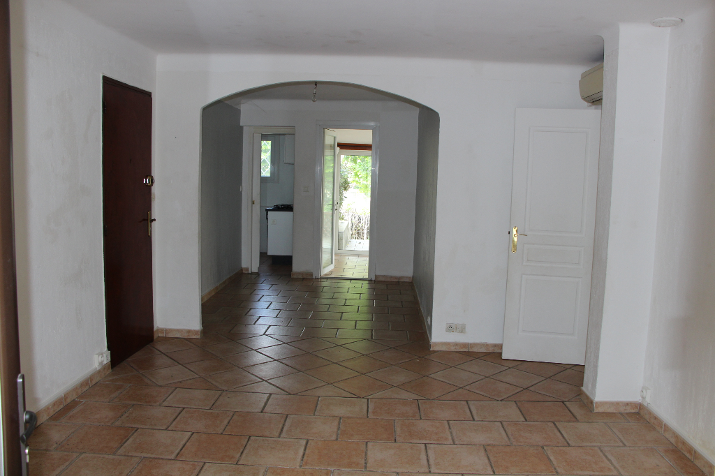 Appartement 3 pièces Ollioules centre du village - Jardin de 250 m²