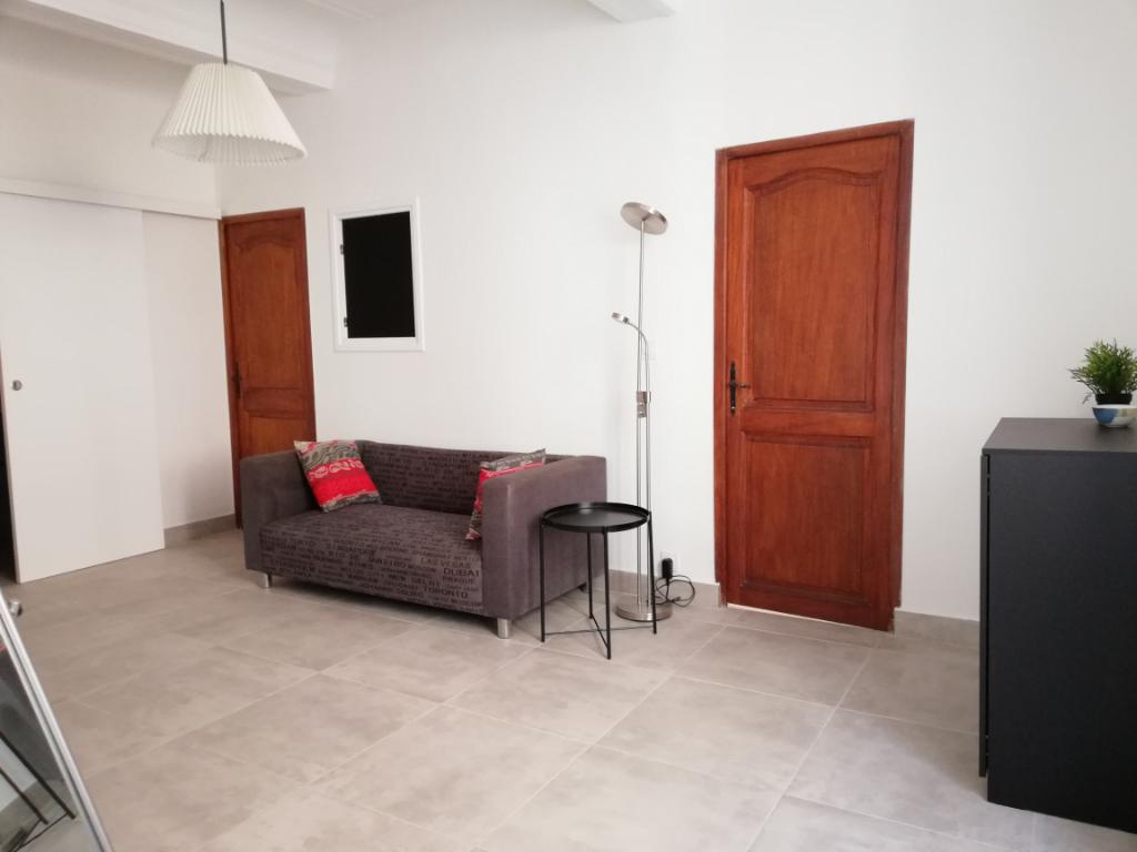 A louer appartement toulon 3 pi ce s meubl r nov for Agence louer appartement