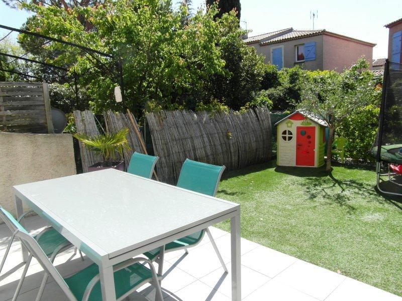 Maison t4 la garde maison mitoyenne avec garage et parking for Garage opel la garde