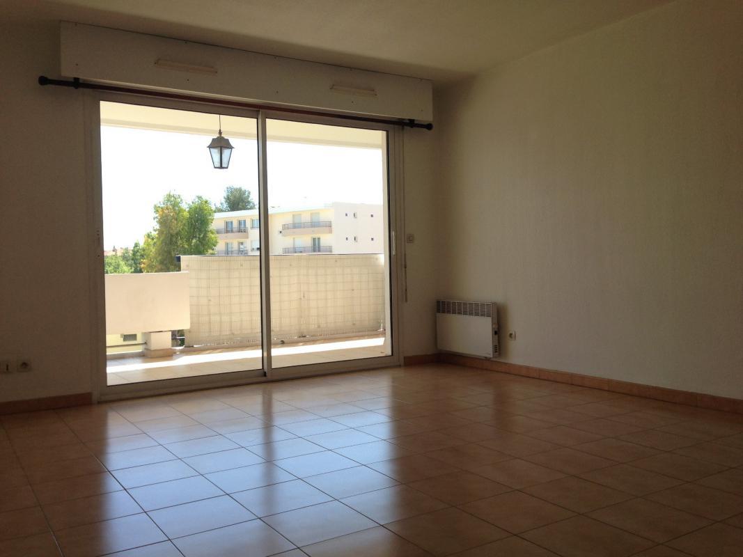 Appartement t2 appartement lumuineux centre ville la garde for Acheter t2 marseille