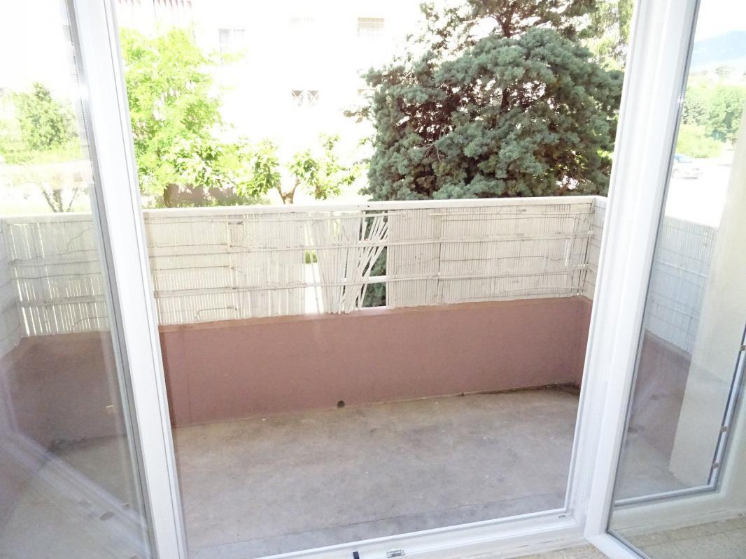 Maison t3 la garde viager libre appartement t3 2 garages for Garage opel la garde