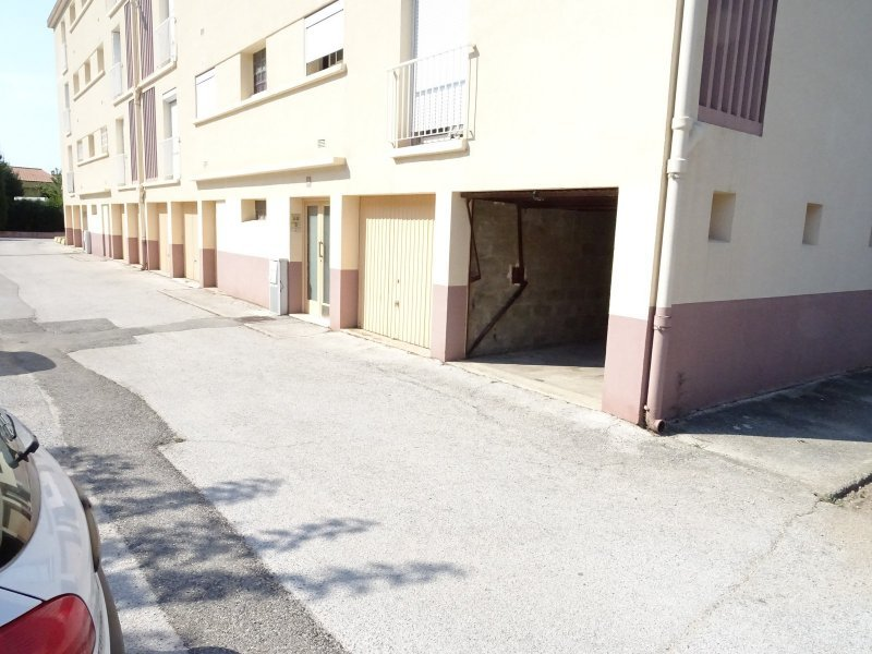 Parking la garde garage dans r sidence s curis e proche for Garage audi la garde 83130