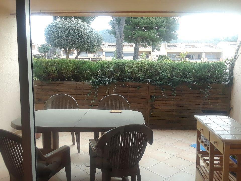 Appartement t2 residence avec piscine tennis place de parking privative ter le pradet syneo - Residence avec piscine marseille ...