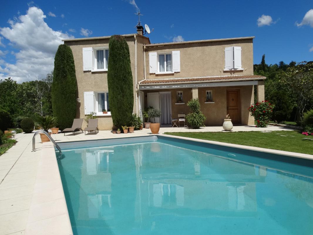 maison t5 maison avec piscine digne les bains digne les bains syneo immobilier. Black Bedroom Furniture Sets. Home Design Ideas