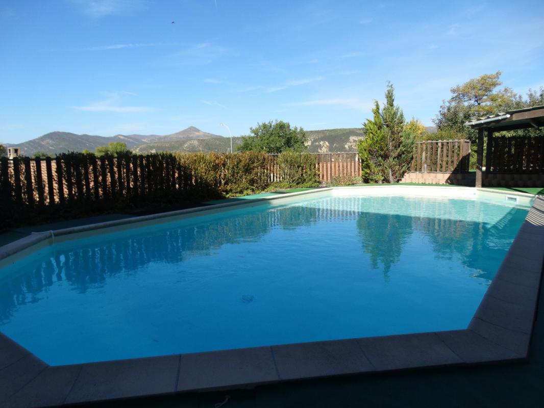 Maison t4 digne maison type 4 avec piscine garage sur 988 for Camping digne les bains avec piscine