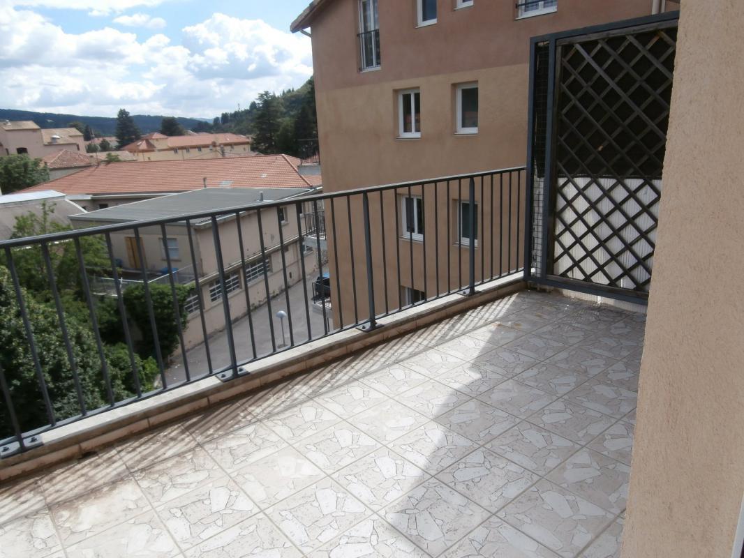 Appartement t2 digne appartement type 2 avec terrasse for Appartement marseille avec terrasse