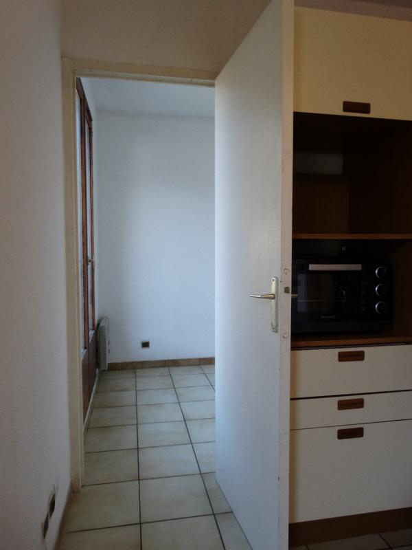 appartement t1 studio en centre ville cave balcon ascenseur digne les bains syneo immobilier. Black Bedroom Furniture Sets. Home Design Ideas