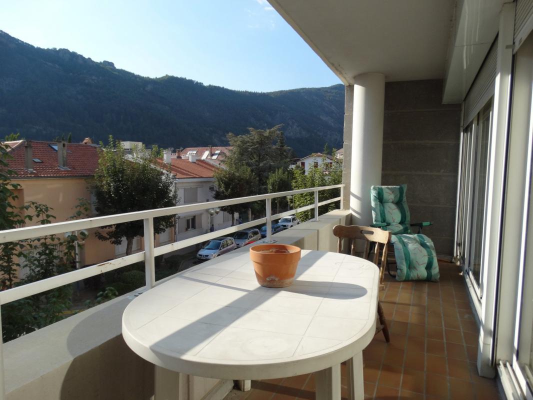 Appartement t4 centre ville type 4 de 90 m2 avec terrasse for Appartement de ville
