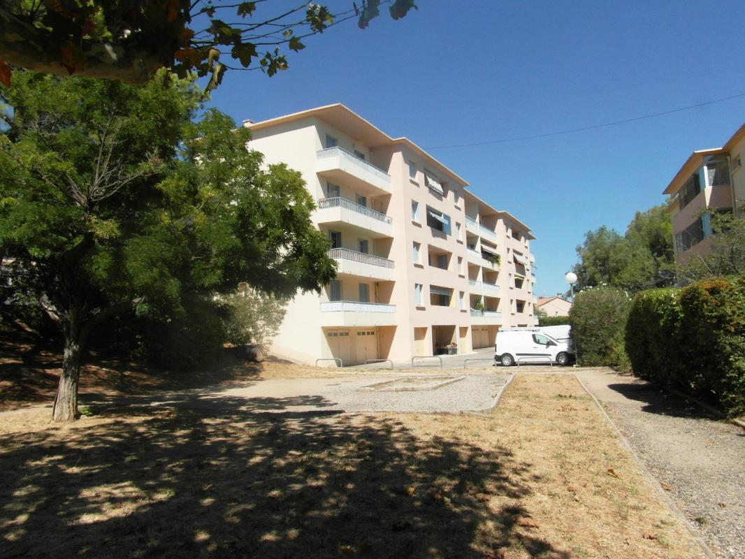 Appartement  T4 T4 LA FARLEDE 3 CH AU CALME La Farlede