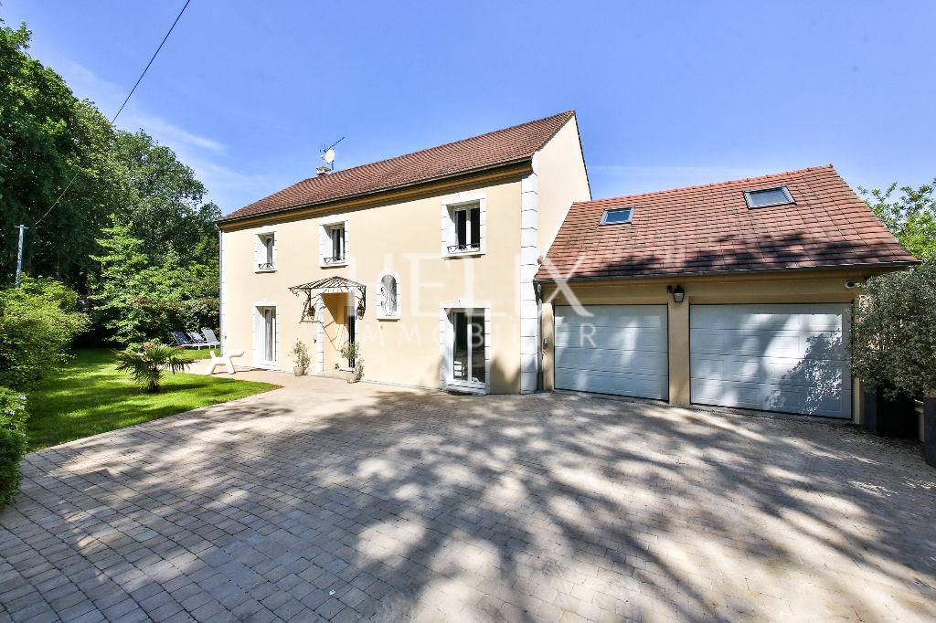 Une jolie maison récente de 170 M² en lisière de foret  proche d'Orgeval