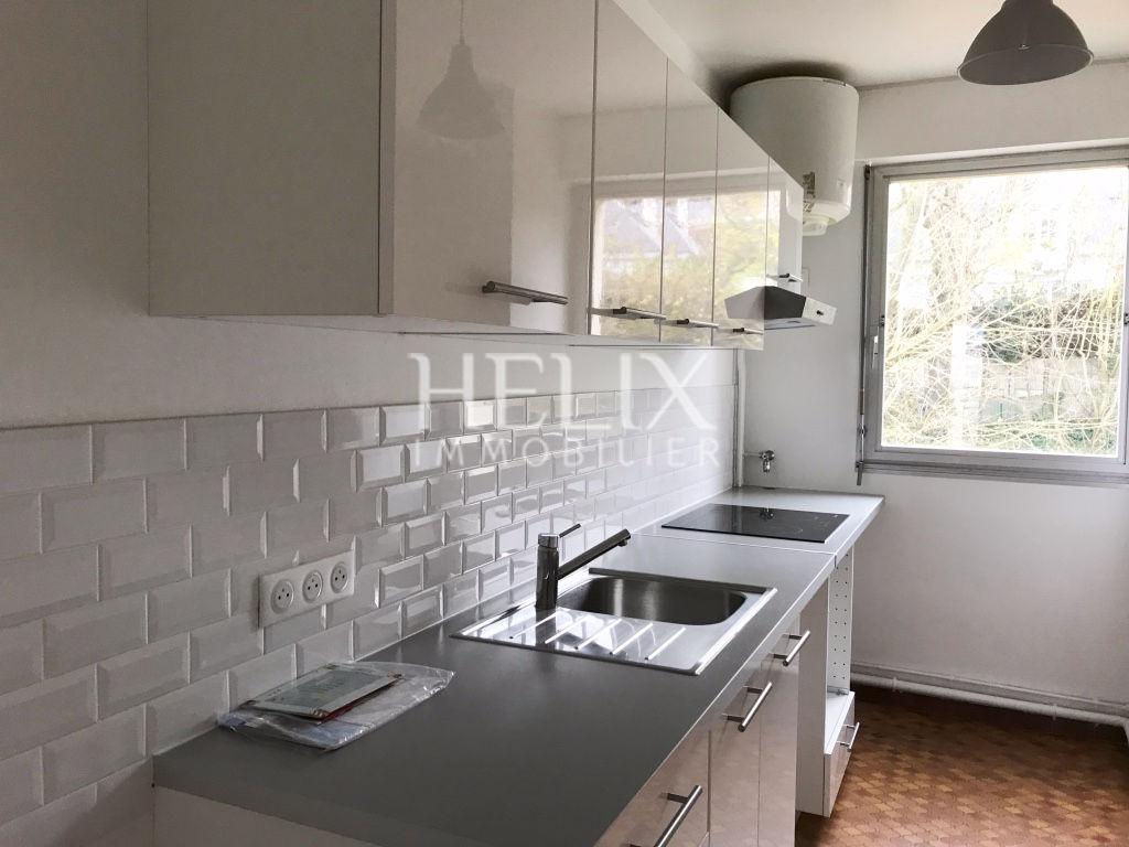 Appartement 4 pièces, terrasse 100 M2, box,  très lumineux!