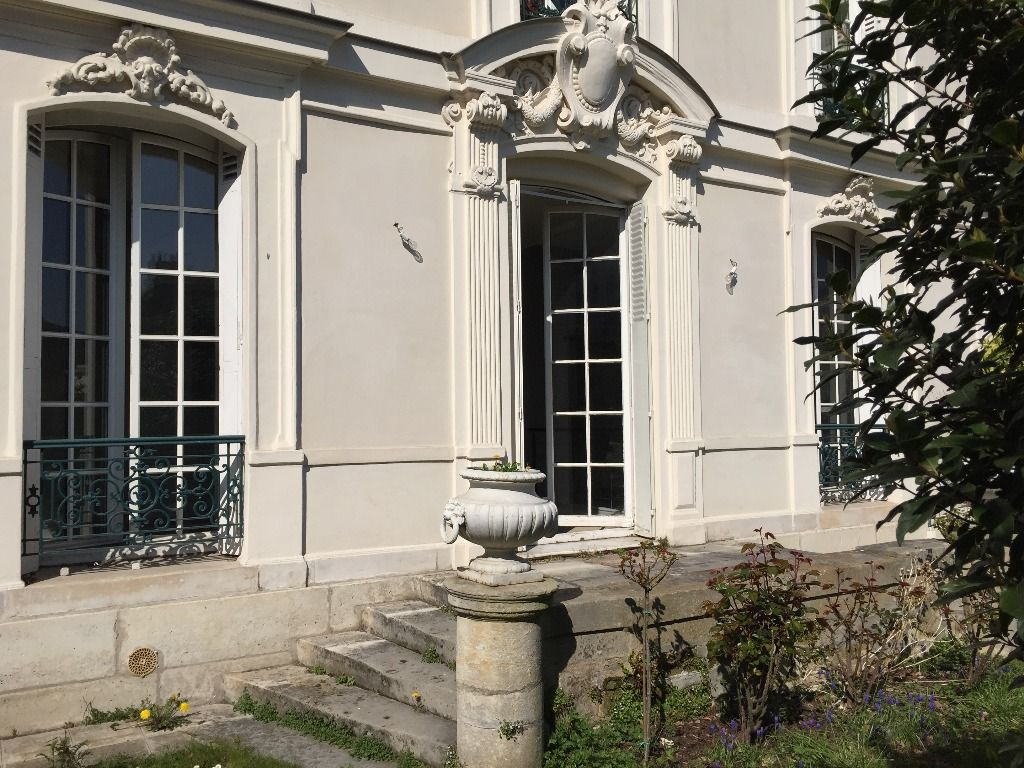 Villa Médicis Bel appartement 92 M² avec jardin RER A en 1 mn