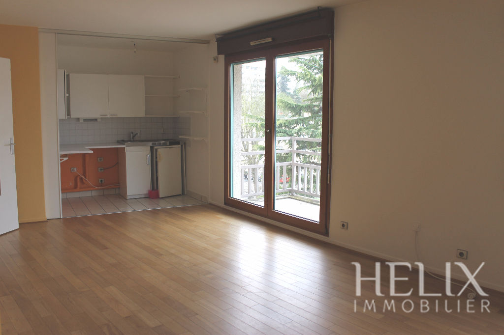Appartement Saint Germain En Laye une chambre et un parking