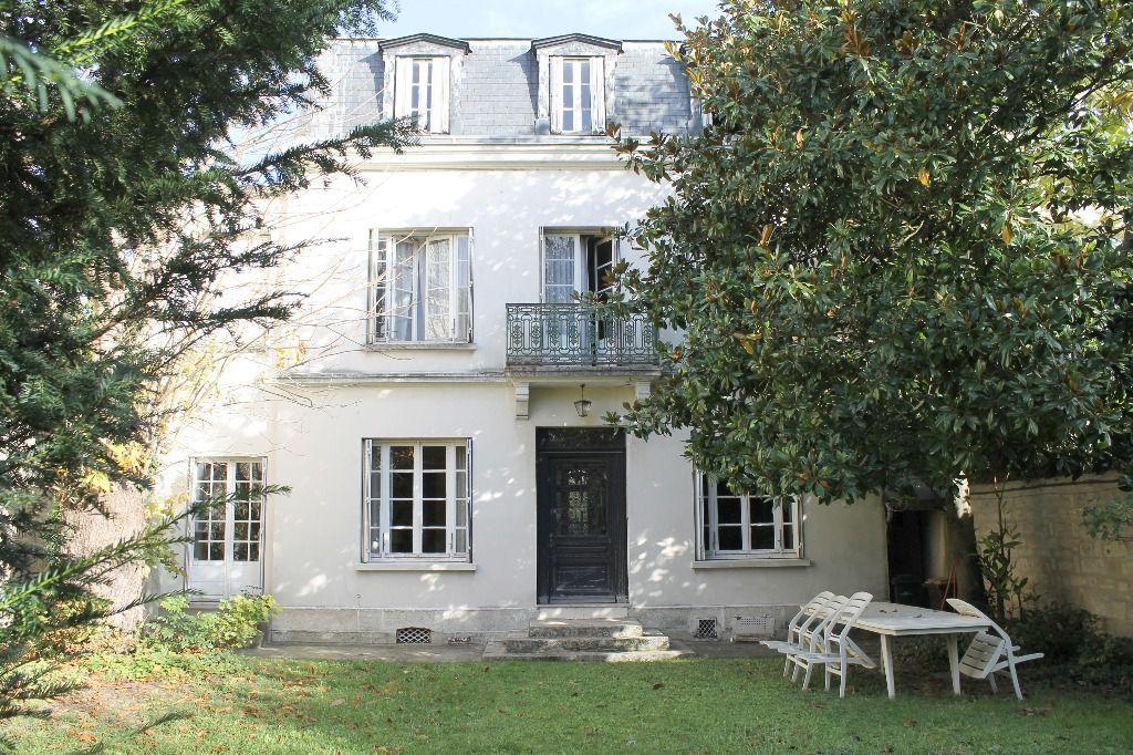Maison Saint Germain En Laye 10 pièce(s) 223,85 m2