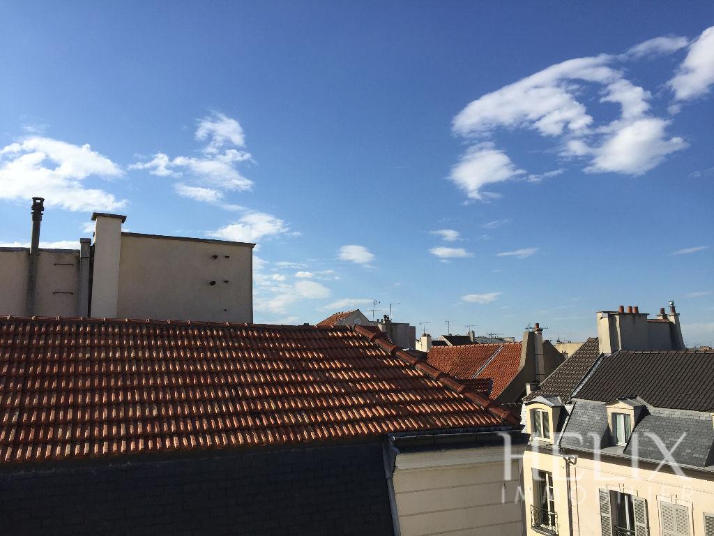 Beau studio de 25 M² centre ville à Saint Germain En Laye