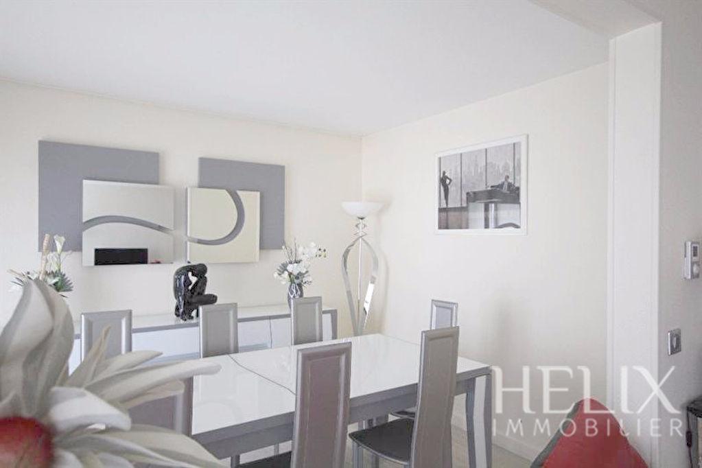 Appartement saint germain en laye 4 pi ces 8593 m2 helix for Appartement atypique saint germain en laye
