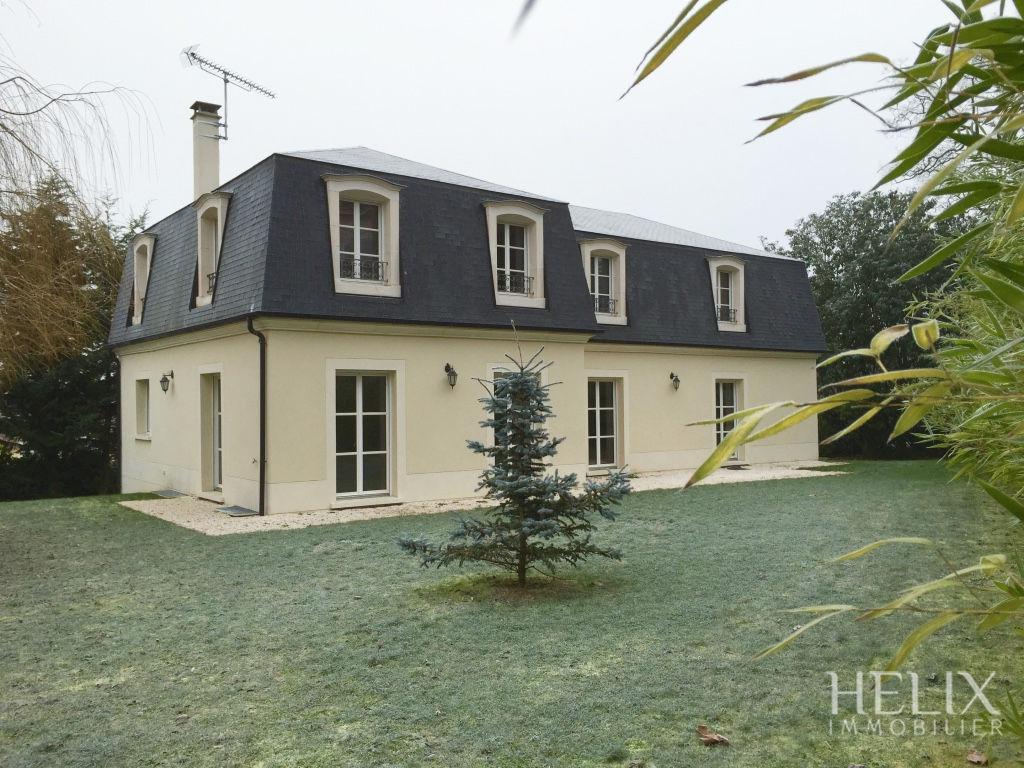 Hermosa propiedad en Orgeval 300 m2 con buenas comodidades
