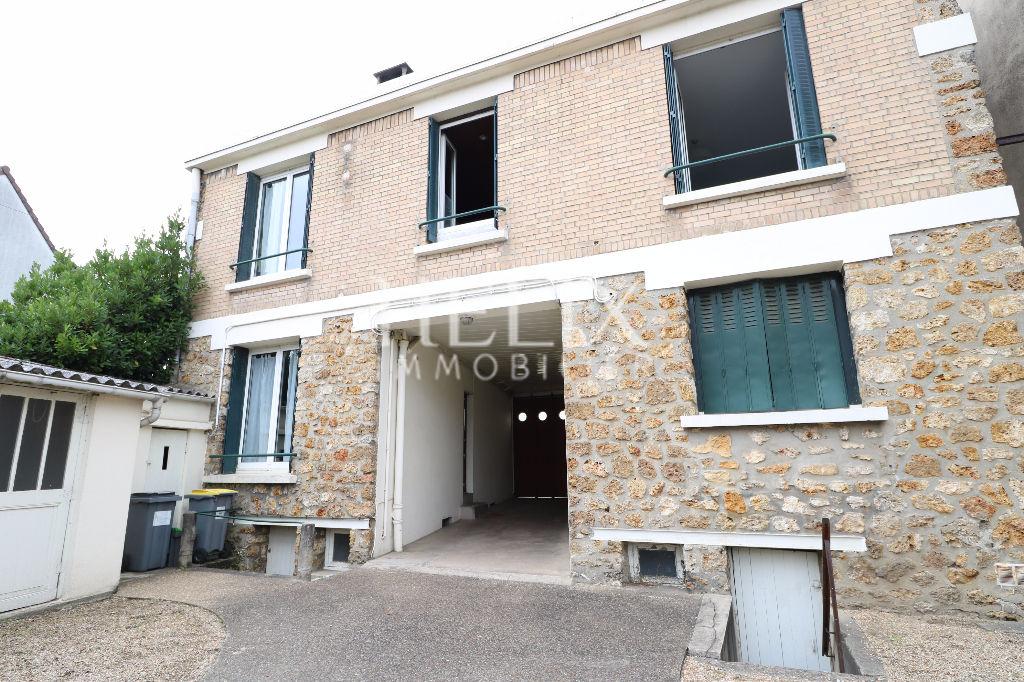 Chatou - Duplex avec 4 chambres de 118 m²
