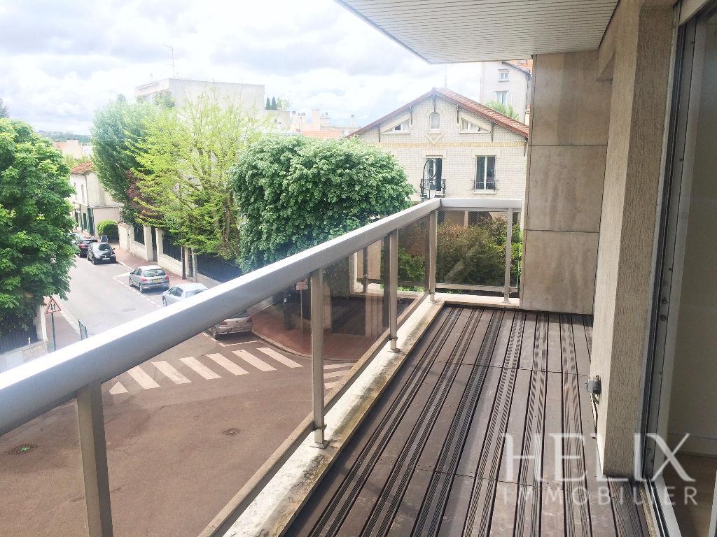 Le Vesinet Centre - Magnifique appartement 3 pièces de 85 m² en plein coeur de ville