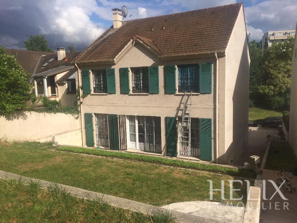 Maison Saint Germain En Laye 7 pièce(s) 149,59 m2
