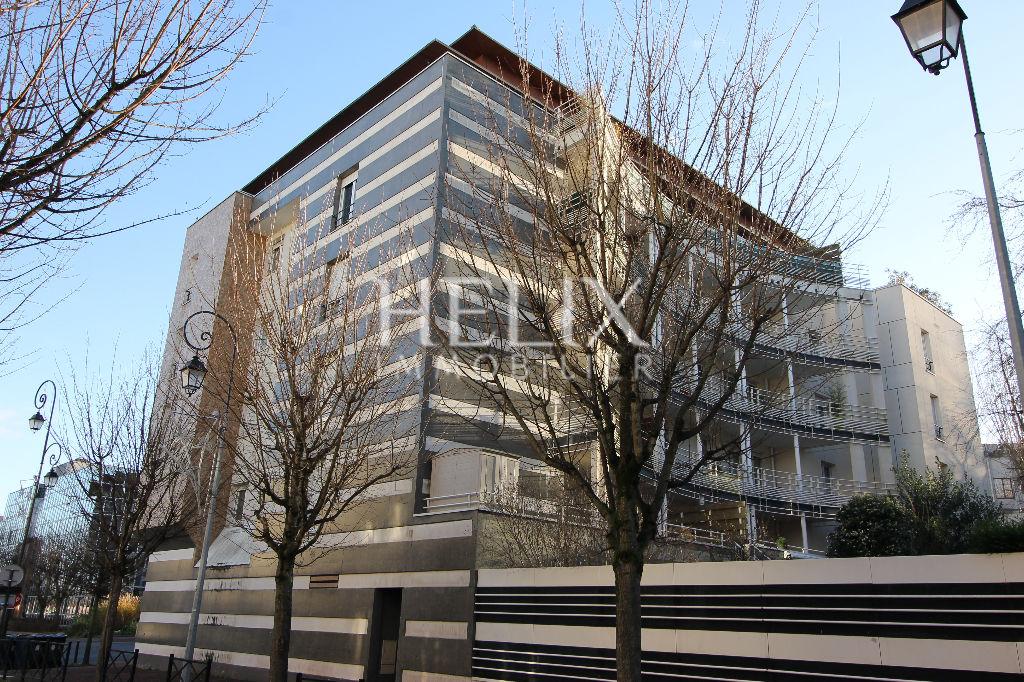 Vente appartement en duplex à Saint Germain En Laye à deux pas de la gare SNCF