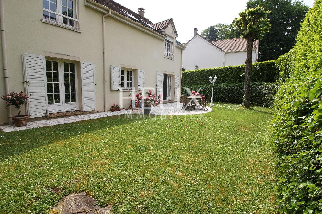 Maison Fourqueux, 7 pièces,160 m², proche Lycée international