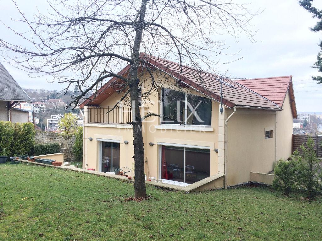 Le Port Marly - Belle maison 7 pièces de 218 M² avec jardin