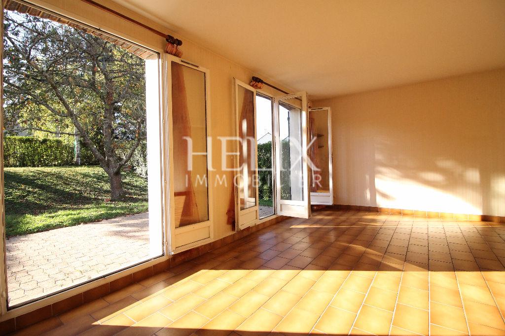 Maison Fourqueux 6 pièce et de 121 m2 sur terrain paysager et arboré de 430 m²