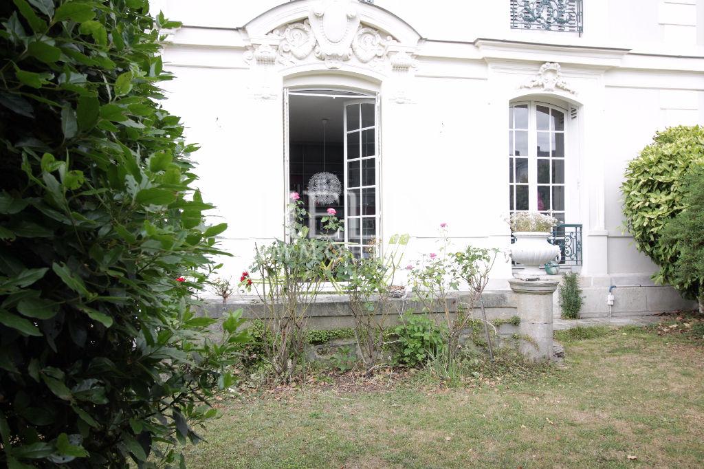 Villa Medicis Niza apartamento 92 metros cuadrados con jardín RER A en 1 min