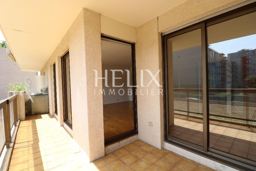 Location Le Pecq - Appartement 4 pièces de 90 m² avec terrasse et parking
