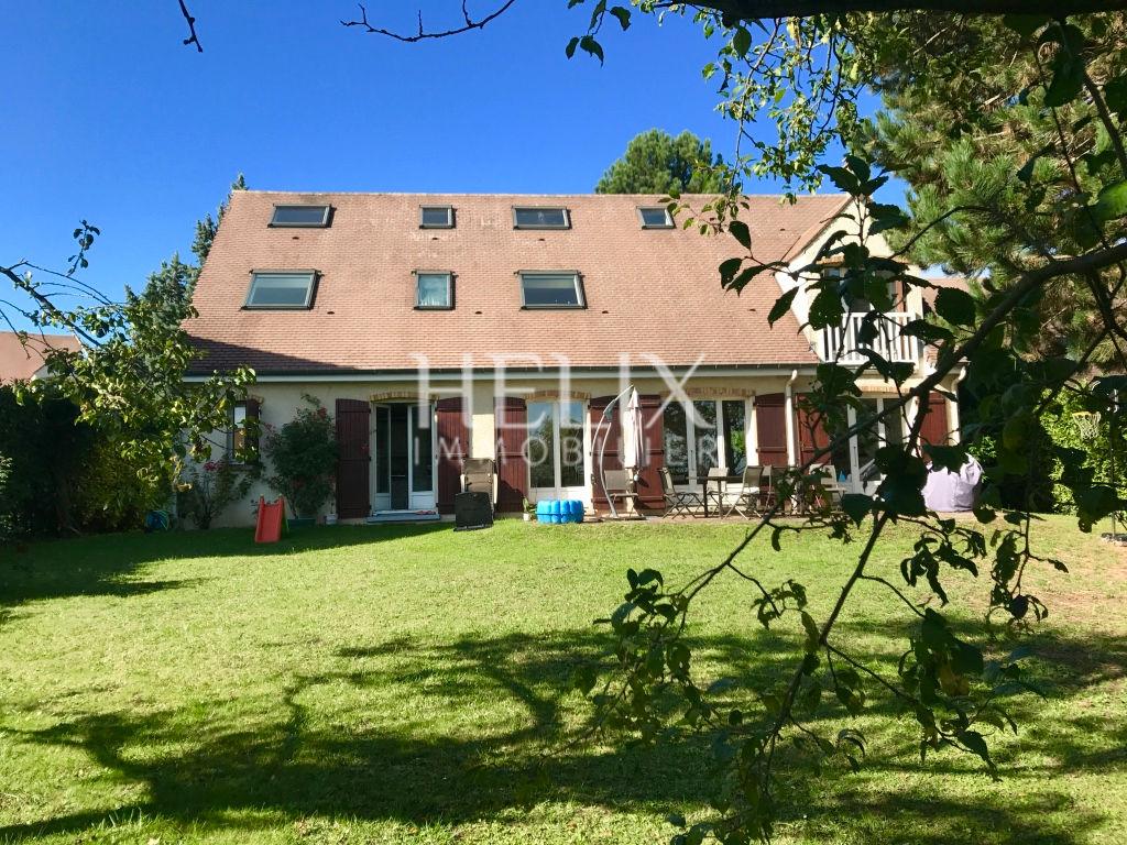 Belle maison au calme 187 M2 Chambourcy accès facile A 13/A14