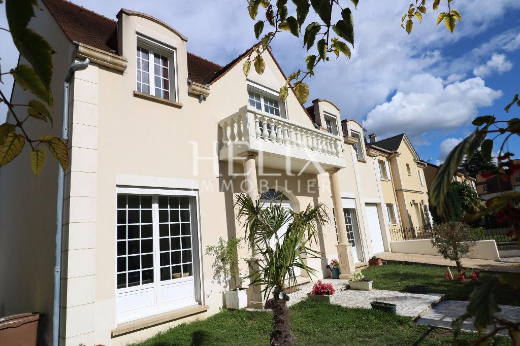 Montesson - Belle maison récente 8 pièces de 195 M² avec Jardin