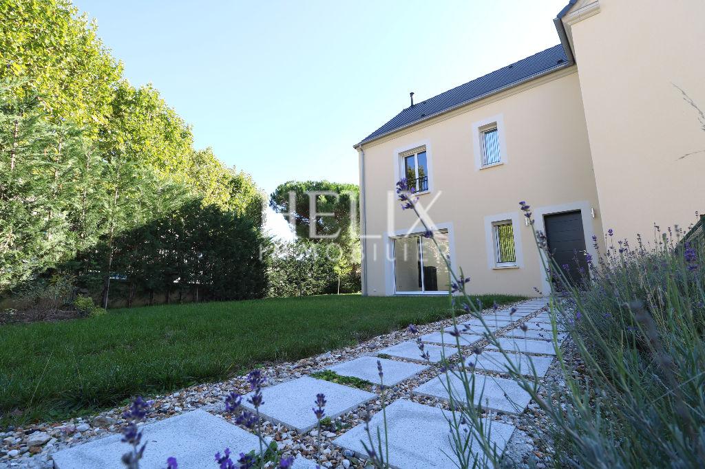 Croissy Sur Seine - Maison neuve 7 pièces de 200 M² avec jardin