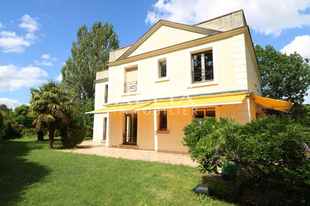 Maison Le Vesinet 7 pièce(s) 200 m2